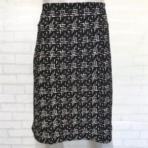 {roz & ali} black & white stretchy pencil skirt